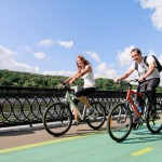 couple-on-bicycles